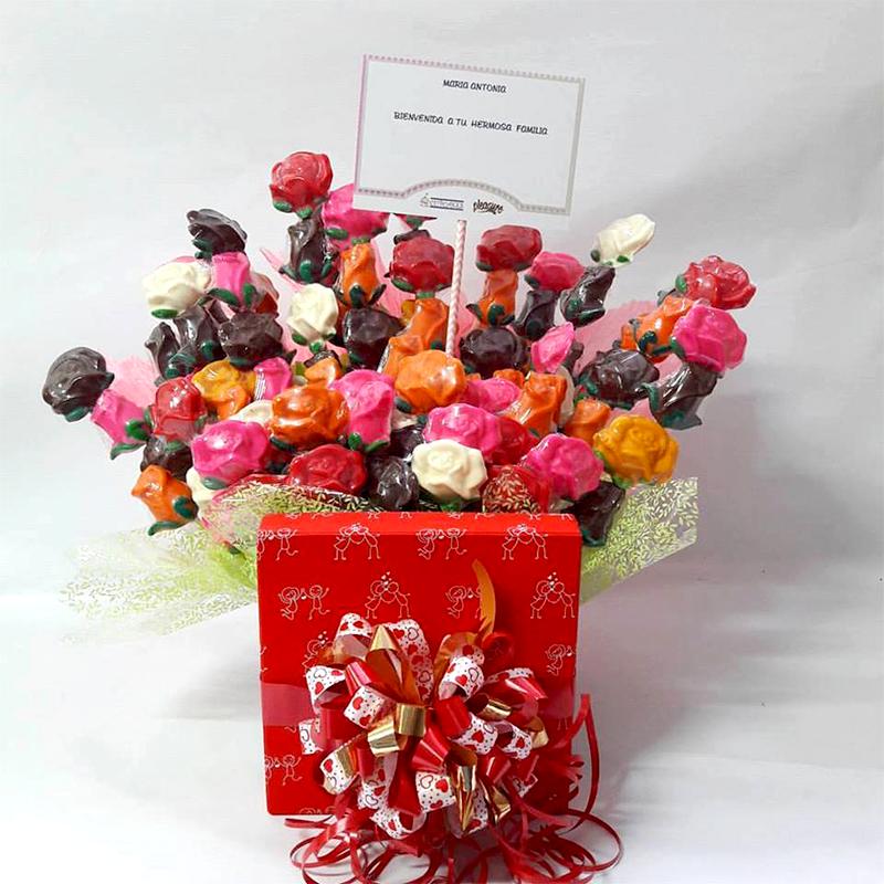 Arreglo Floral Rosas Y Girasoles Almara Reposteria